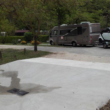 Camping La Poche : Camping Car