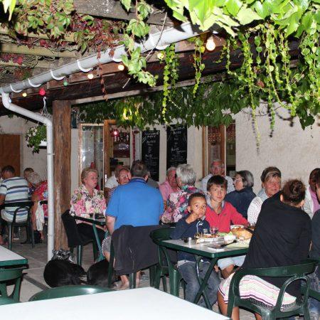 Camping La Poche : terrasse restaurant