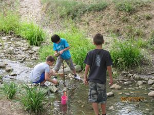 Camping La Poche : rivière