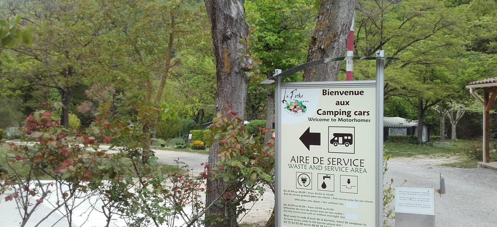 Camping La Poche : Panneau Aire De Service