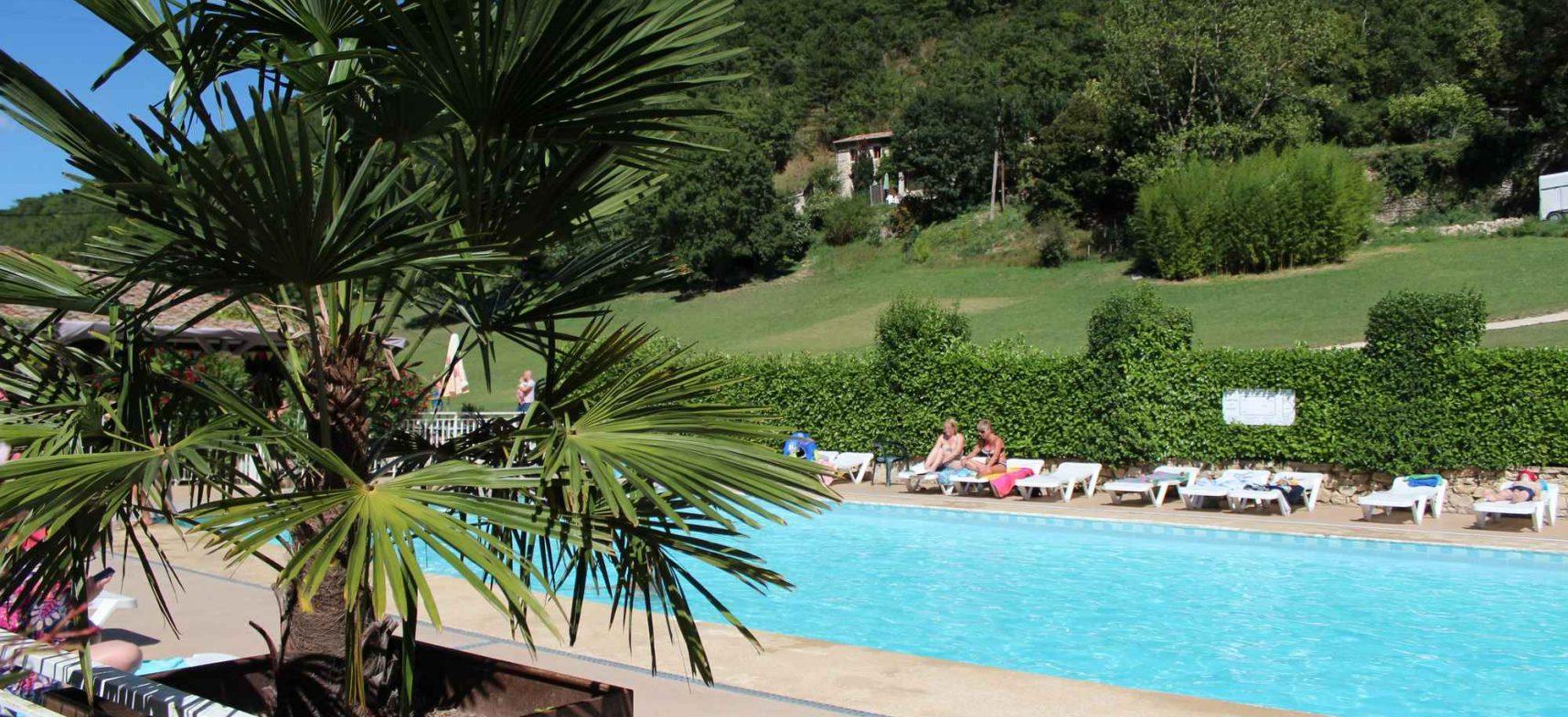 Camping La Poche : Piscine4 1