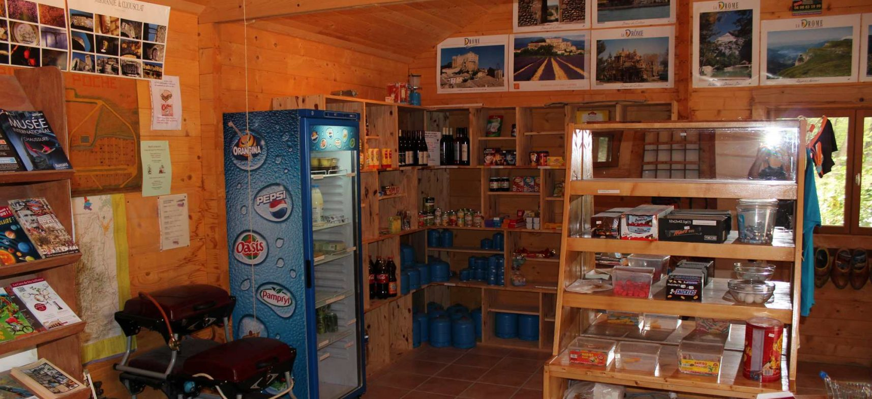 Camping La Poche : épicerie